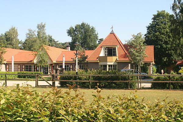 Camping De Hertshoorn -Rezeptionsgebäude-