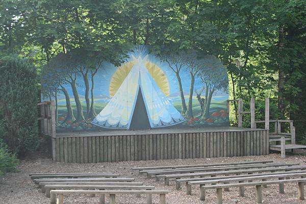Camping De Hertshoorn -Animationsbühne-