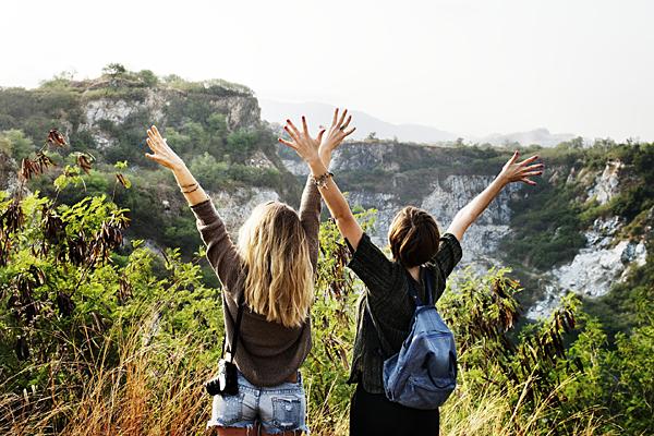 Lange Wochenenden (Bild von rawpixel auf Pixabay)